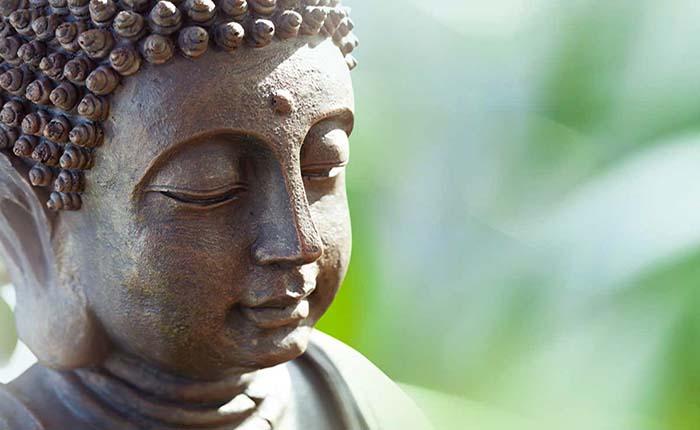 Buda habita en la ilusión.